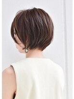 キアラ(Kchiara)美シルエットのショートボブ/大人可愛いオフィスヘア