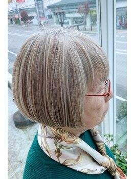 アイズクリーム(I's CREAM)の写真/白髪や、明るいグレイカラーへのお悩みには、カラーを専門とする【ヘアカラーリスト】が解決に導きます。