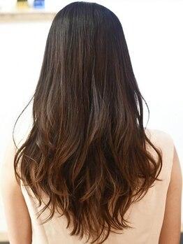"""ゴッコ(Gocco.)の写真/ずっと綺麗でいたい大人女性へ""""髪&頭皮""""にも低刺激で優しく美髪が叶う。柔らかな艶カラーで上品な雰囲気★"""