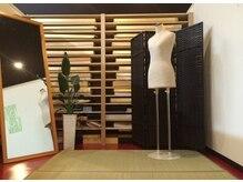 ムーブ ル リアン(MOOB Le Lien)の雰囲気(落ち着いて着付をできるように、広々とした着付室を完備。)