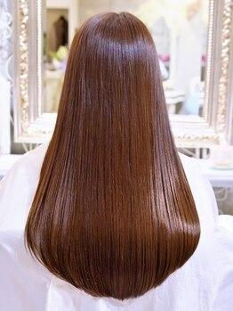 美容室ピュール(PUUR)の写真/ダメージ髪を諦めていた方に…PUURが取り扱う厳選されたトリートメントで、どんな髪も艶やかな質感に☆