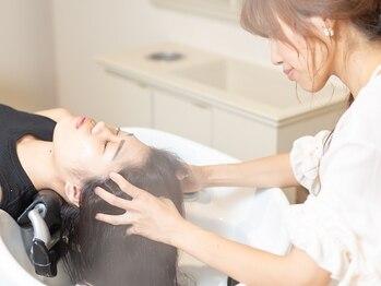 ヘアリラクゼーション クインズベリー(Hair Relaxation Queen's Berry)の写真/オージュア、炭酸、ナノミスト…髪の状態や好みに合わせた豊富なMENU☆個室でゆったり癒しの時間を…♪
