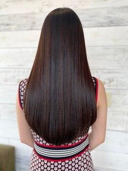 """ミクラス 自由が丘(MICRAS)の写真/【髪質改善】""""サブリミック×縮毛矯正""""で髪への負担も少なく、手触りの良い艶サラな髪へと導きます◎"""