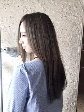 ギミック ヘア ファクトリー(gimmick hair factory)アディクシー×サファイア 透明感ロング