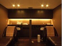 リュクスニューヨーク(Luxe New York)の雰囲気(オーナーこだわりのフルフラットのシャンプー台は座り心地抜群)