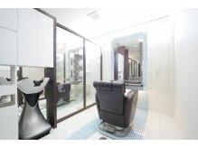エーエムジー アトレヴィ 巣鴨店(AMG)の雰囲気(プライベートな空間を約束する完全個室の施術スペース)
