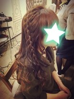 ヘアセットサロン アトリエ チャイ(Hair set salon atelier CHAI)編み方イロイロ☆片編み下ろしヘア