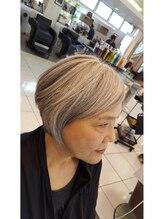 ヘアーヴィーヴル 松茂店(Hair BIVRE)大人のグラデーションボブ