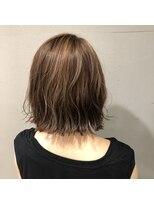アルマヘアー(Alma hair by murasaki)アッシュベージュのボブ