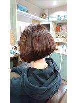 ヘアサロンアンドリラクゼーション マハナ(Hair salon&Relaxation mahana)シャープなイメージの重め前下がりボブ♪