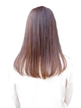 シェア(SHER)の写真/くせ・うねり・広がりを解消!思わず触れ合くなる、自然なストレートヘアが手に入る★