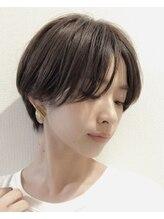 ベル(Belle)美容専門誌の選ぶショートヘアNo1 小顔センターパートショート