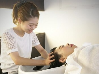 ロコピカロ(LOCOPICARO)の写真/【西条☆】頭皮の潤いケア×マッサージ♪自分では取れない汚れを取って、頭皮美人になりませんか?