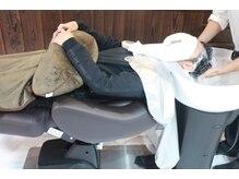 美容室 ミーシュ(miish)の雰囲気(フルフラットなシャンプー台で首が痛くなる心配がありません★)