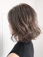 リードヘアーバイバンプ(Lead Hair by vamp)【Lead Hair】外国人風ハイライトボブ(バックスタイル)