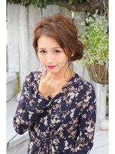 ヘアメイクサロン シャルメ(Hair Make Salon CHARMER)前からのウェーブが可愛い綺麗めシニヨンスタイル!
