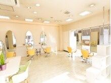 美容室ココロ(CoCoLo)の雰囲気(自然光が入る明るいサロン♪♪)
