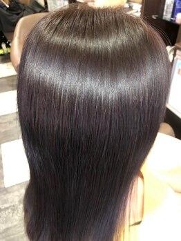 """グロースの森(Growthの森)の写真/【本気の美髪を目指すならGrowth】当店イチオシ""""アミノセラピートリートメント""""で、潤い溢れるサラ艶髪に♪"""