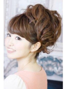結婚式 髪型 ロングヘアアレンジ チョイスジ盛りポニーテールbyBACKSTAGE