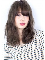 ヘアサロン ガリカ 表参道(hair salon Gallica)『 グレージュ × クセ毛風 』 デザインカラー 小顔 semi-long☆