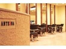 アンテナ ヘアリゾート 北浦和店(ANTEnNA HairResort)の雰囲気(席と席の間隔が広い店内だから隣の人が気にならない♪)