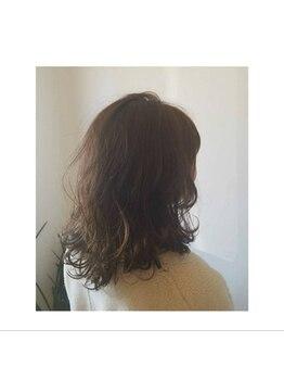 ネイロアナン(neilo annan)の写真/年を重ねるにつれ出てくる髪のお悩み、ダメージ毛のお悩みなど深カウンセリングし-5歳に見えるヘアを提案