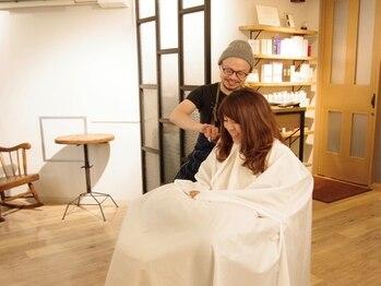 151e ヘアーデザイナーアンドヘアードクター(151e Hair designer&Hair doctor)の写真/セット面は1席だけ【完全マンツーマン対応】歴10年以上のオーナースタイリストが心を込めて最後まで施術♪