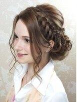 結婚式にオススメのヘアスタイル