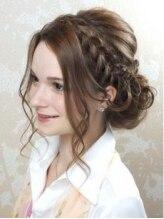 ヘアセットアンドエクステンションショールーム(SHOW ROOM)結婚式にオススメのヘアスタイル