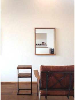 ネイロアナン(neilo annan)の写真/洗練されたカフェのような空間が大人女性に人気◎ウッドベースで温かみのある店内でゆったりとお寛ぎ下さい