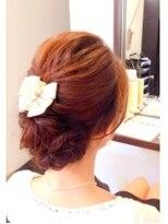 イーチ ディー ヘアーアンドトータルビューティー(each dee hair&total beauty)シニヨンルーズアップ【each dee津田沼】