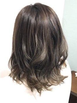 """ヘアーハウス オハナ(Hair house Ohana)の写真/最新トレンドの[イノアカラー]を導入☆独特な香りもなく""""美しい艶×うっとりするような質感""""が手に入ります"""