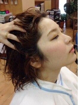 ヘアー ウープス(HAIR OOPS)の写真/【大須】人気のケラスターゼが充実★季節に合わせたメニューで四季の悩みを解決し髪や地肌をうるツヤに★