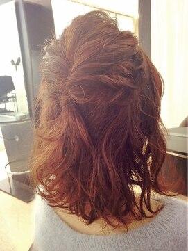結婚式髪型 ミディアムハーフアップ ミディアム丈のハーフアップ