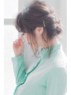 エルフォ(elfo)【elfo】ルーズな編み込みでオシャレに!カジュアルな服にも合う