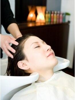 ビーズアモール 豊田店の写真/「油っぽい」「乾燥ぎみ」など頭皮の悩みは人それぞれ。そんな悩みを解決できるようお手伝いします☆