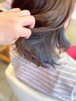 ヘアーメイク リボーン ムーヴ(hair make re:bbon move)インナーカラー×ブルーアッシュ
