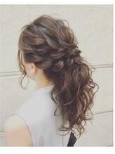 ヘアメイクアート(Hair make Art)ツイストポニーテール