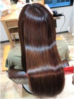 ハクヘアー(HAK hair)の写真/うるツヤトリートメント☆髪質に合せたシステムケアで指通りの違いを感じて・・