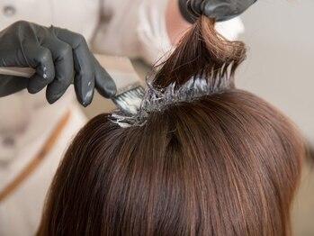 ページボーイ美容室の写真/【神楽坂駅1番出口徒歩4分】オーガニック志向の方に◎天然ハーブで頭皮と髪に優しい♪ハリと艶がある美髪へ