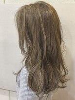 ビラシ(Hair BILASHI)外国人風ゆるふわハイライト