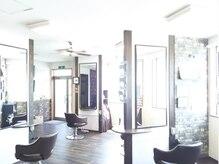 ジェンティーレ ヘアデザイン(Gentile Hair Design)の雰囲気(多方向に向いたセット面でお客様1人1人の空間を演出★)