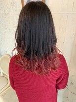 #ブリーチオンカラー#イヤリングカラー#フリンジウェーブ#赤髪