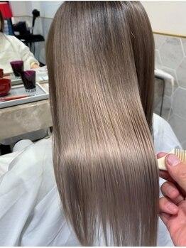 リラ バイ コスト(Lilas by costes)の写真/一人ひとりに合わせたプレミアムケアで、髪を傷ませず旬Styleへ。《ダメージレスカラー》が好評♪