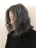 アリーズヘアー 青山(allys hair)外国人風/ホワイティグレー 切りっぱなしボブ