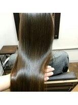 コレット ヘアー 大通(Colette hair)ストレート×shu uemura×ミルキーベージュ
