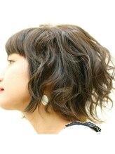ヘアスタジオ ルピナス(Hair studio lupinus)ミディアムキュ-トウェ-ブ