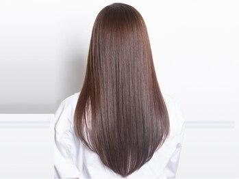 プログレス 仙台駅東口店(PROGRESS)の写真/ダメージレスで髪にも優しいナチュラルな仕上がりが自慢!艶と潤いが髪全体に広がるサラツヤ美髪縮毛矯正!