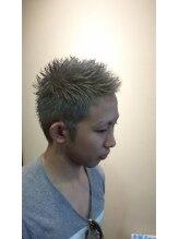 クラッキ ヘアークリエイション(CRAQUE hair creation)ワイルドショート+プラチナシルバー