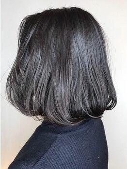 ブラット(brat)の写真/低刺激、匂いが少ない、毛髪へのダメージ軽減を考えた艶感重視の白髪染め[オーガニックカラー/下北沢]
